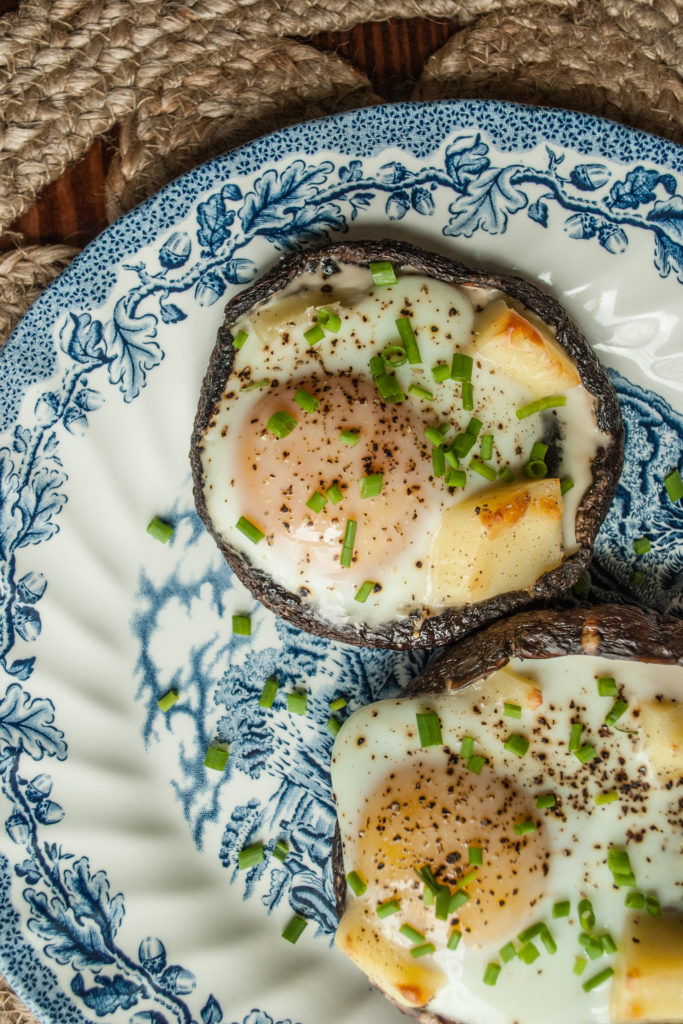Super easy recipe for this delicious and elegant portobello baked egg.  Perfect for breakfast, brunch or any meal.  Easy recipe and picture tutorial.  Printable Recipe.