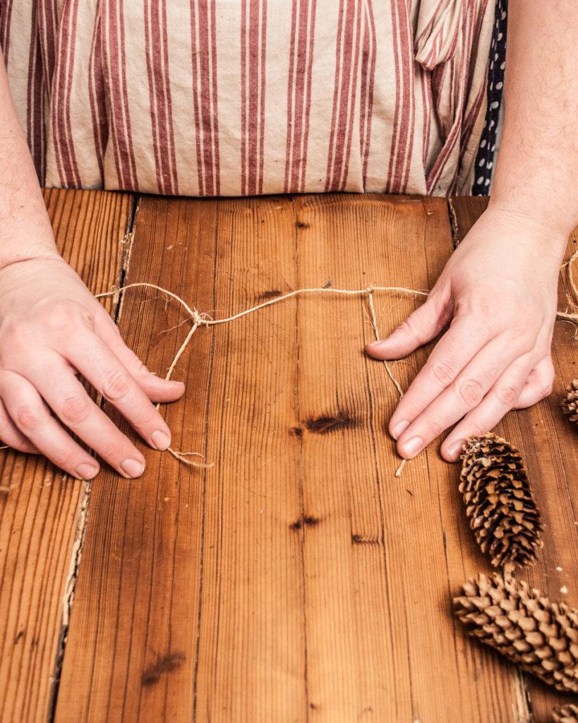 Rustic Pinecone Garland. Handmade DIY Christmas Crafts Tutorial.